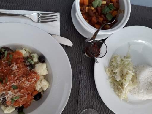 Bolonhesa de Couve-flor, e Chili com arroz e couve